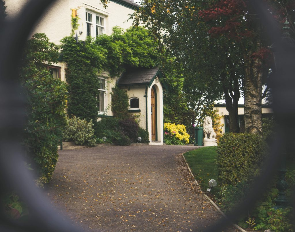 5 Reasons to Enhance the Exterior of Your Home This Autumn