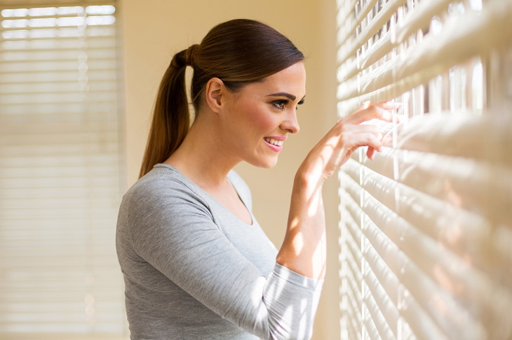 Major Advantages of Using Outdoor Blinds and Awnings