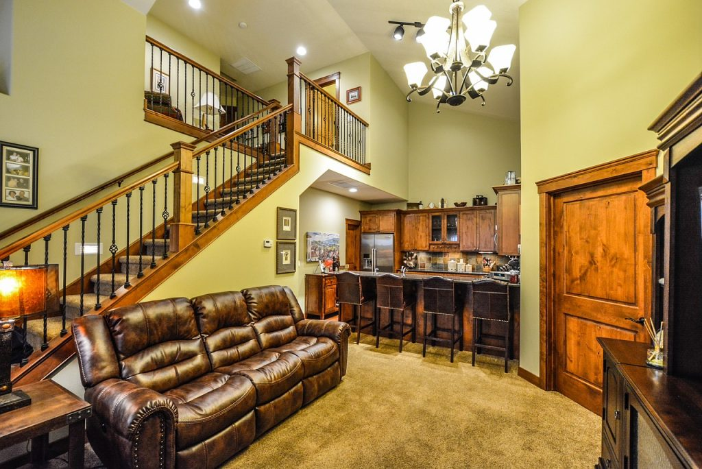 An Easy Living Room Interior Decorating Plan
