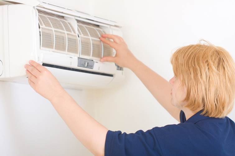 Air Conditioner Air Cleaner : Tips to keep your air conditioner running smoothly