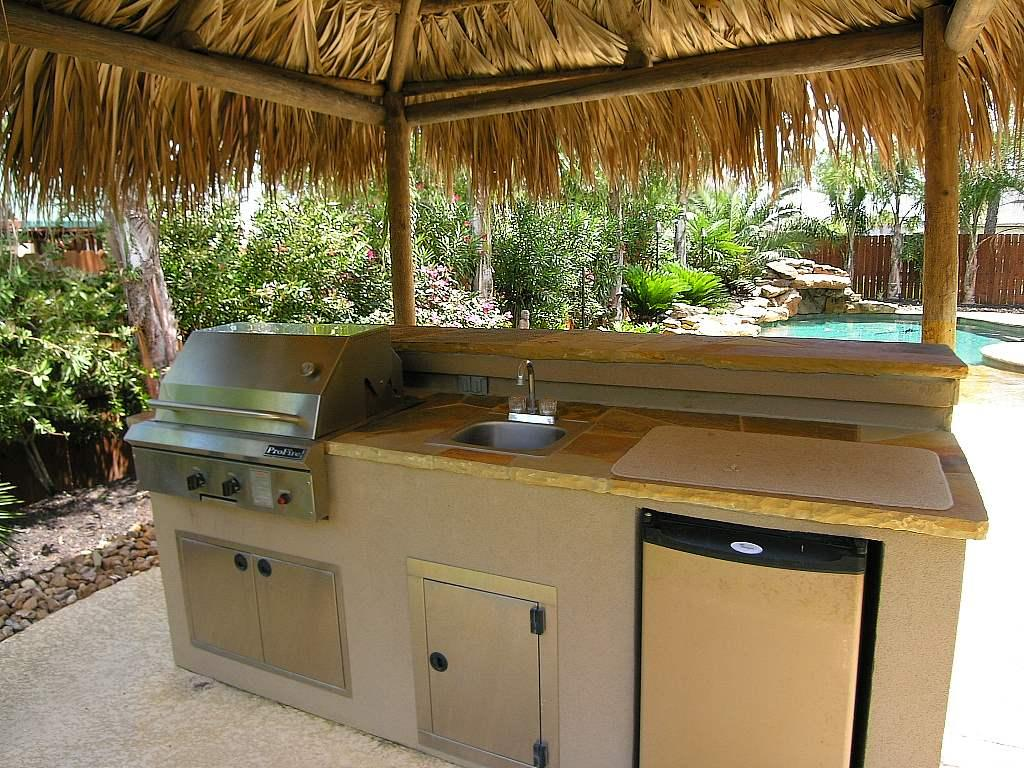 Grilling in the great outdoors essential ideas for your for Outdoor kitchen sink