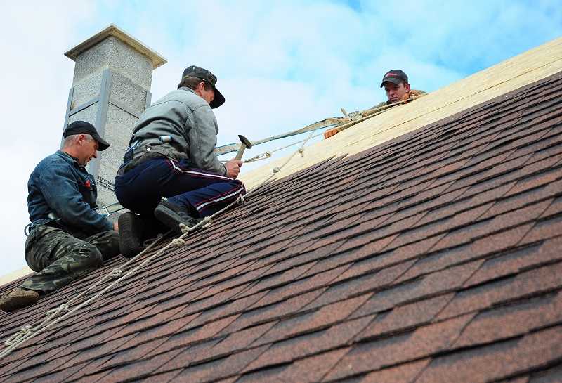 Choosing The Right Professional For Roof Repairs